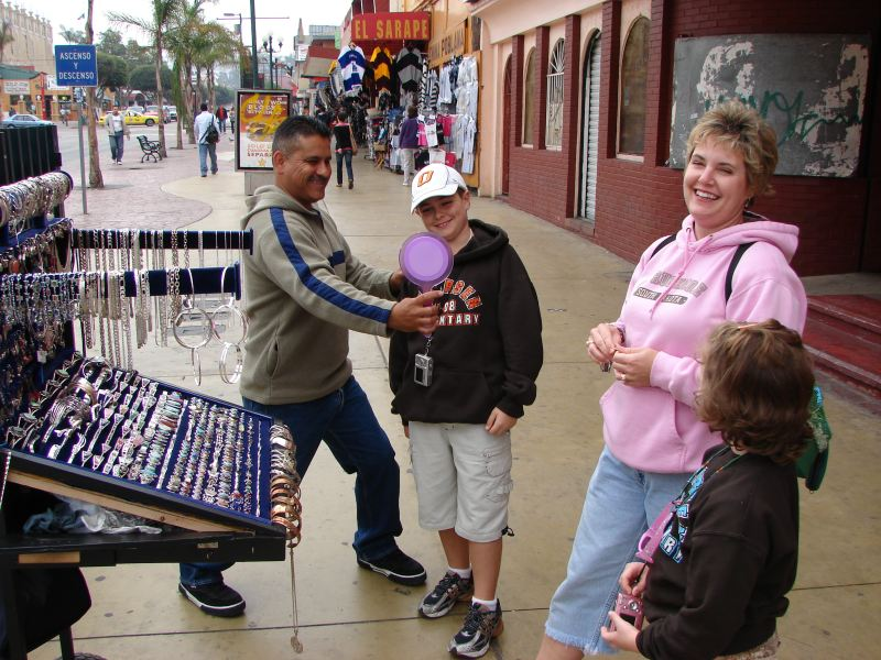 Day-6-Wheeling-and-dealing-with-the-Mexican-jewelry-salesman.