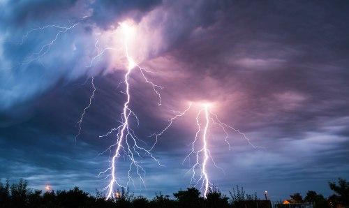foto-diariolapaz-1538346917-tormenta_truenos